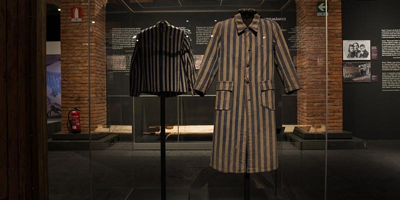 Prisoner's overcoat