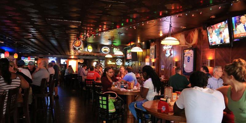 Charlie Hooper's Bar & Grille